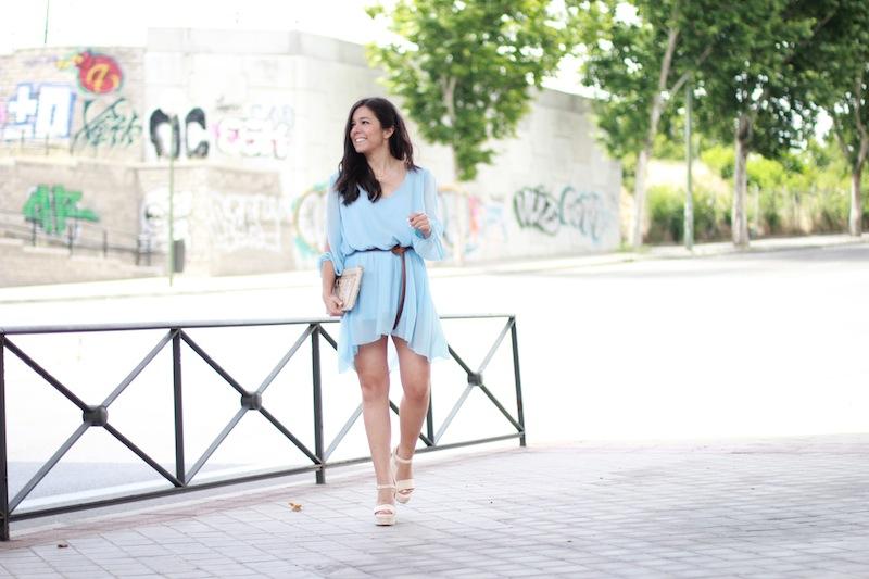 vestido_azul_claro_corto