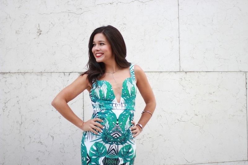 vestido_escote_hojas