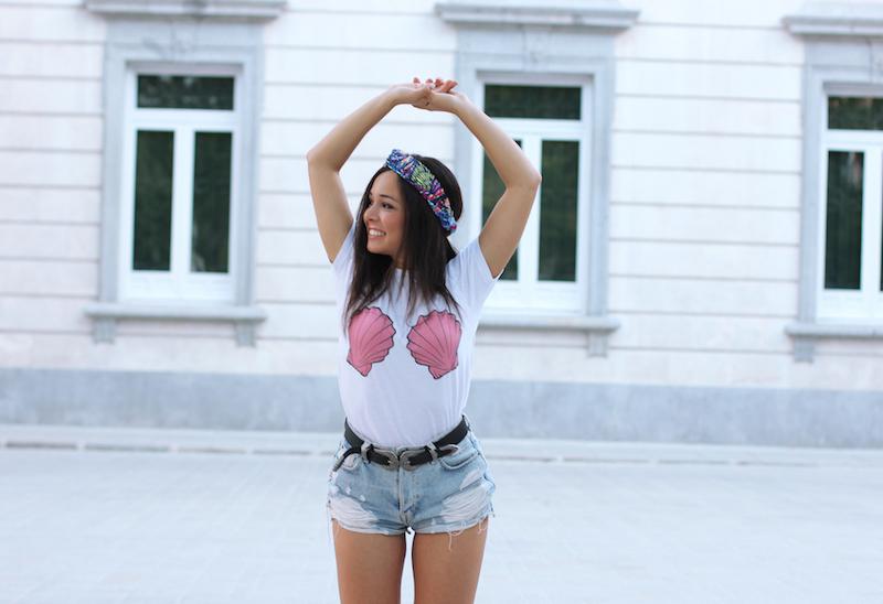 camiseta_blanca_conchas
