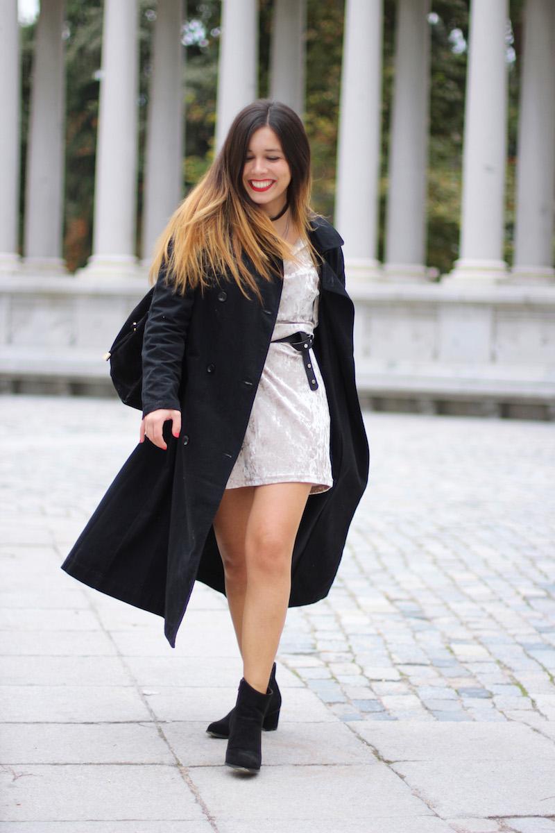 gabardina_larga_negra_mujer